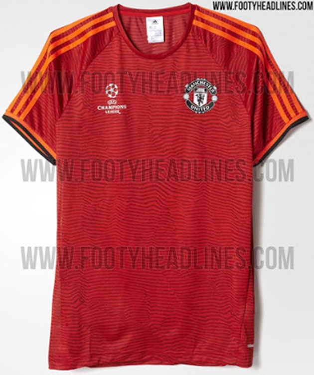 official photos 2fdd9 fcc4b No sponsor on Champions League training kit for United
