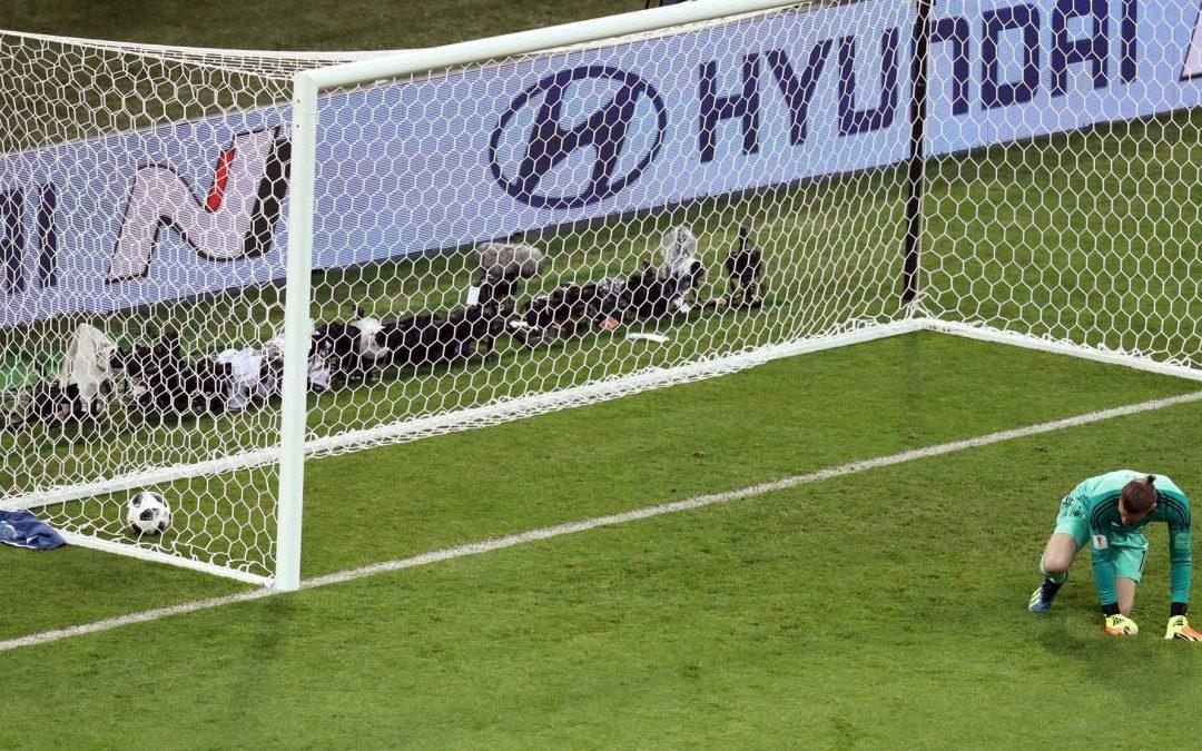 Spain fans vote to get De Gea axed following error against Portugal