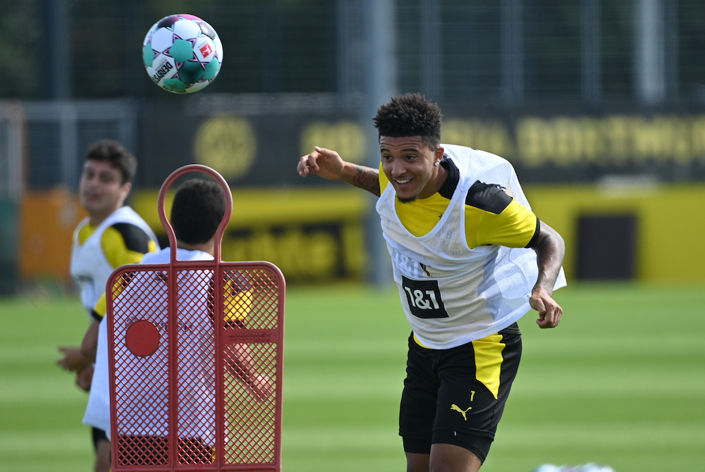 Bundesliga reporter reveals text message from Borussia Dortmund insider on latest Jadon Sancho reports
